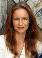 Laura Cayouette bio picture