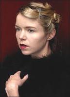 Anna Maxwell Martin bio picture