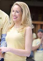 Anna Camp bio picture