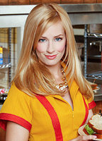 Beth Behrs bio picture