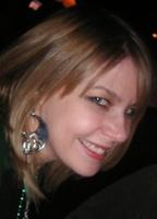Holly Ilyne Sari bio picture