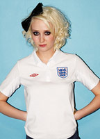Lily Loveless bio picture