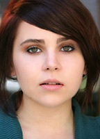 Mae Whitman bio picture