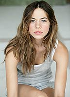 Analeigh Tipton bio picture