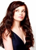Ashley Rickards bio picture