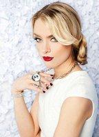 Rachel Skarsten bio picture