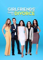 Lisa Edelstein as Abby McCarthy in Girlfriends' Guide to Divorce