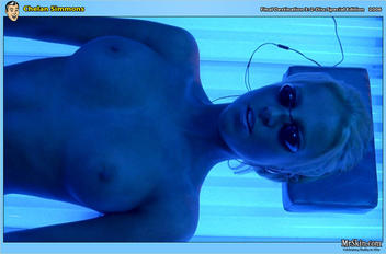 Chelan Simmons in Final Destination 3: 2-Disc Special Edition (1)