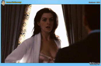Anne Hathaway in Get Smart (1)