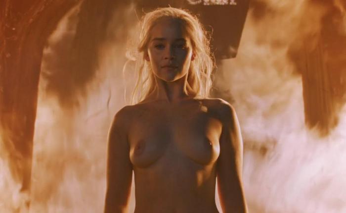 Emilia clarke topless 22dcef63 featured