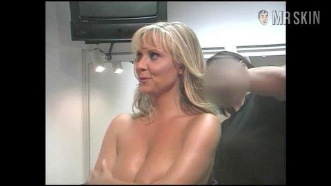 Julie Zangenberg breasts biografer i sf