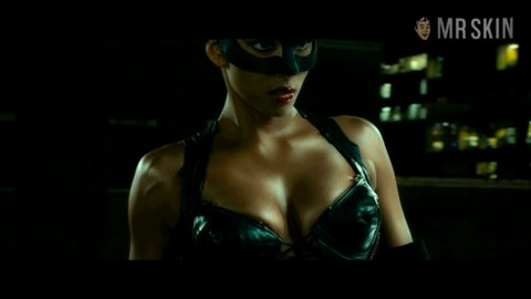Catwoman berry hd 01 large 3