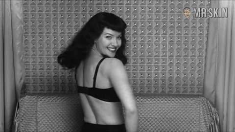 Notoriousbettiepage mol hd 04 large 3