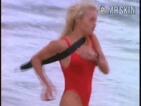 Baywatch anderson s4 01 large 3