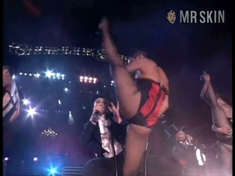 Madonnathegirlieshow madonna 03 large 3