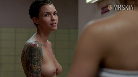 Oitnb3x09 br rose hd 001 large 5