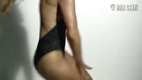 Booty jenniferlopez iggyazalea hd 01 large 3