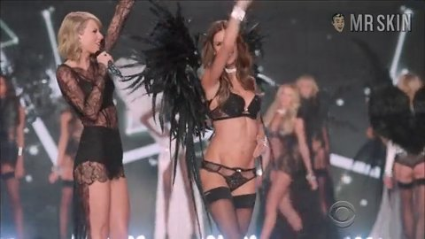 Vsfs2014 angelsball hd 05 large 3