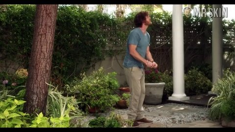 Graceandfrankie 1x10 decker hd 01 large 3