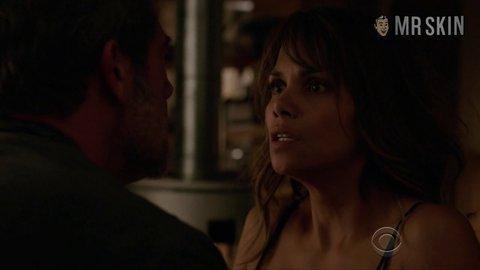 Extant2x04 berry hd 01 large 3