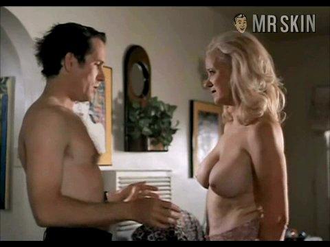 Laura linney ever been nude