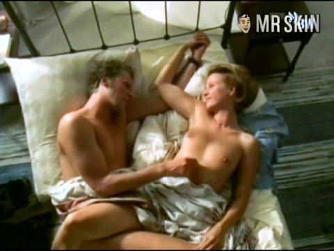 Jenette goldstein sexy