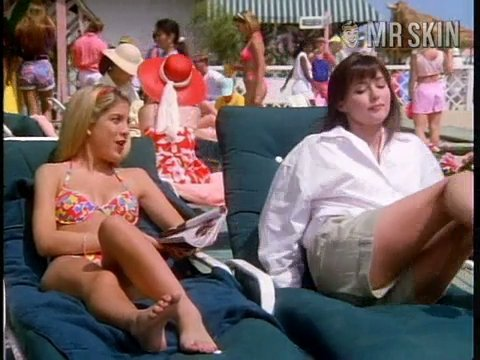 90210 se02 ep26 spelling3 large 3