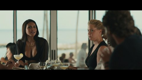 Amy schumer and moani hara in snatched 8
